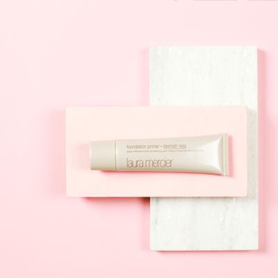 des cosmétiques de marques partenaires
